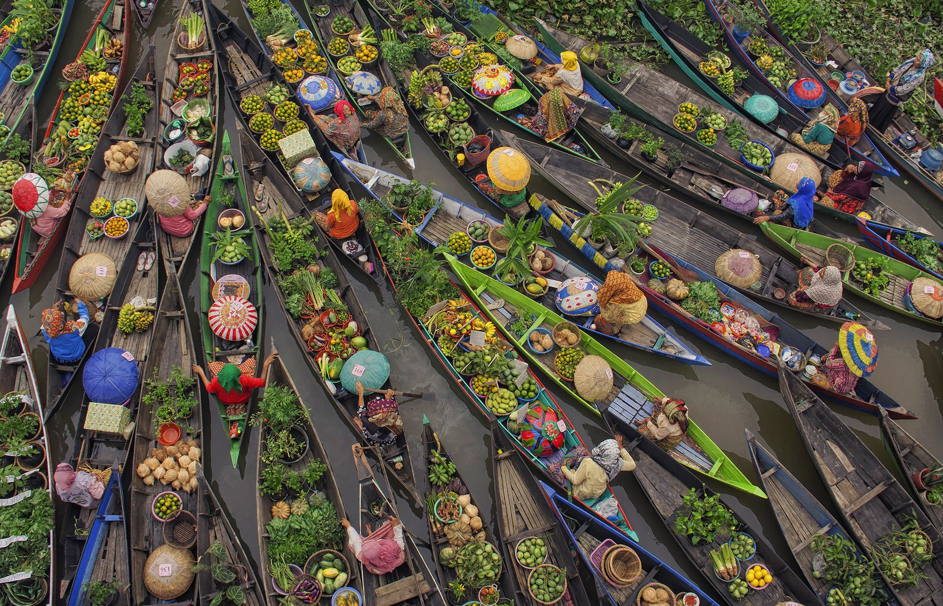 South Borneo Floating Markets © Antonius Andre Tjiu