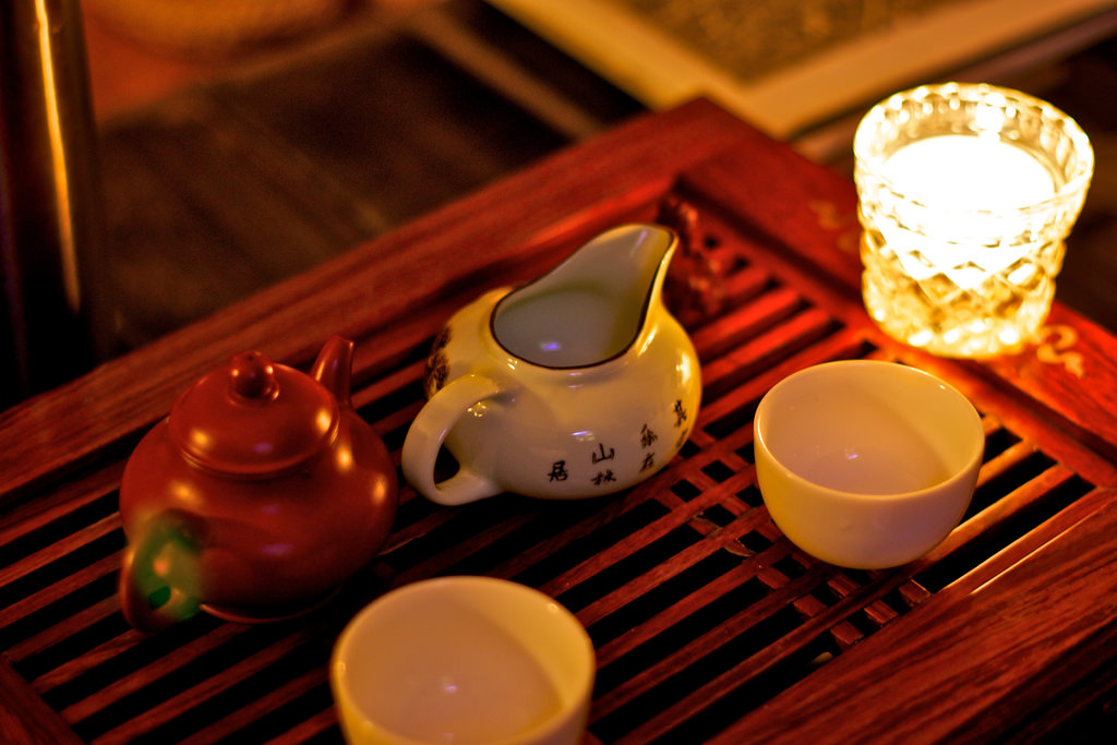 chinese tea and british tea Who knows how many other beautiful words and thoughts are out there, hiding from english speakers because they are in another language the chinese art of tea.
