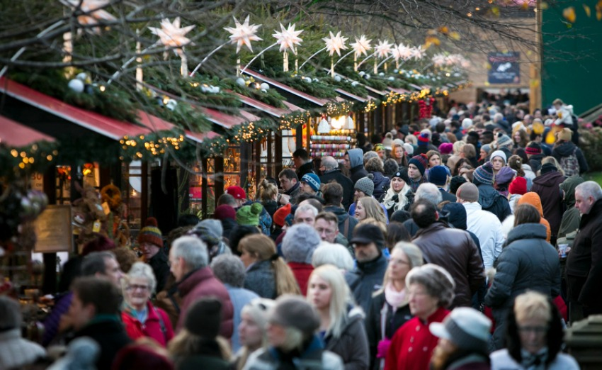 Edinburgh Christmas Market | © Lloyd Smith Photography and Film / Courtesy Of Edinburgh's Christmas