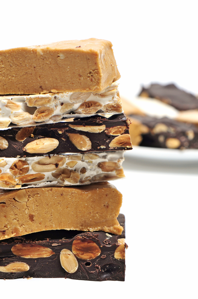 Some pieces of different kinds of turron. | © nito, Shutterstock