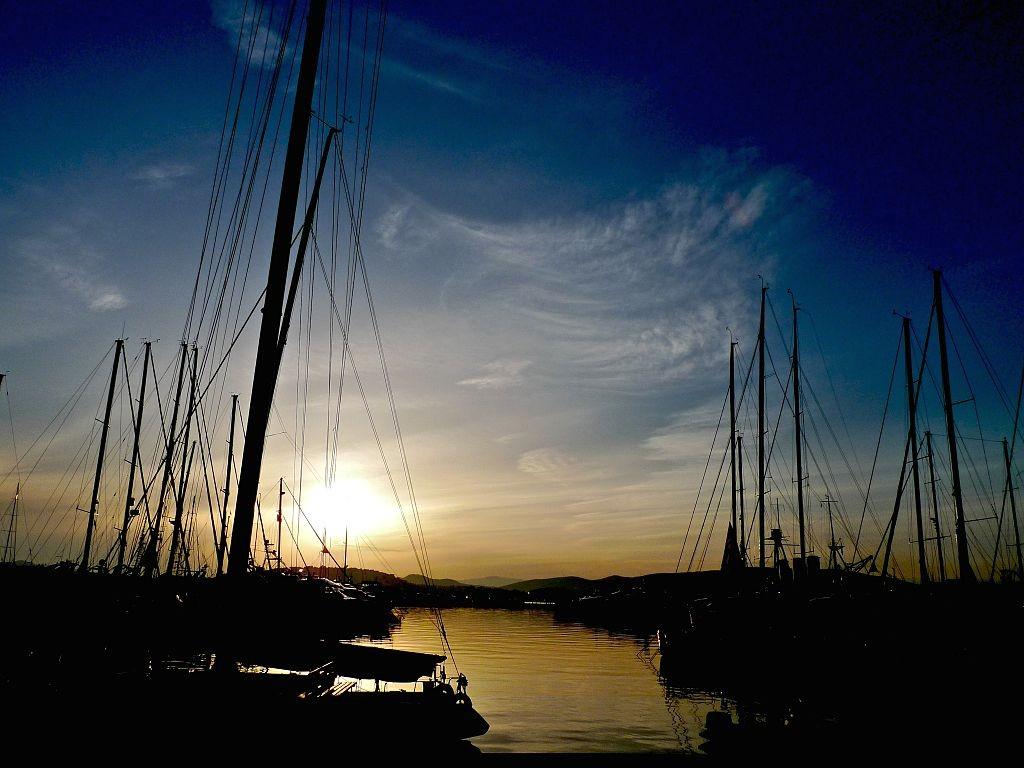 Sunset at Alimos Marina, Athens   © s9-4pr/WikiCommons