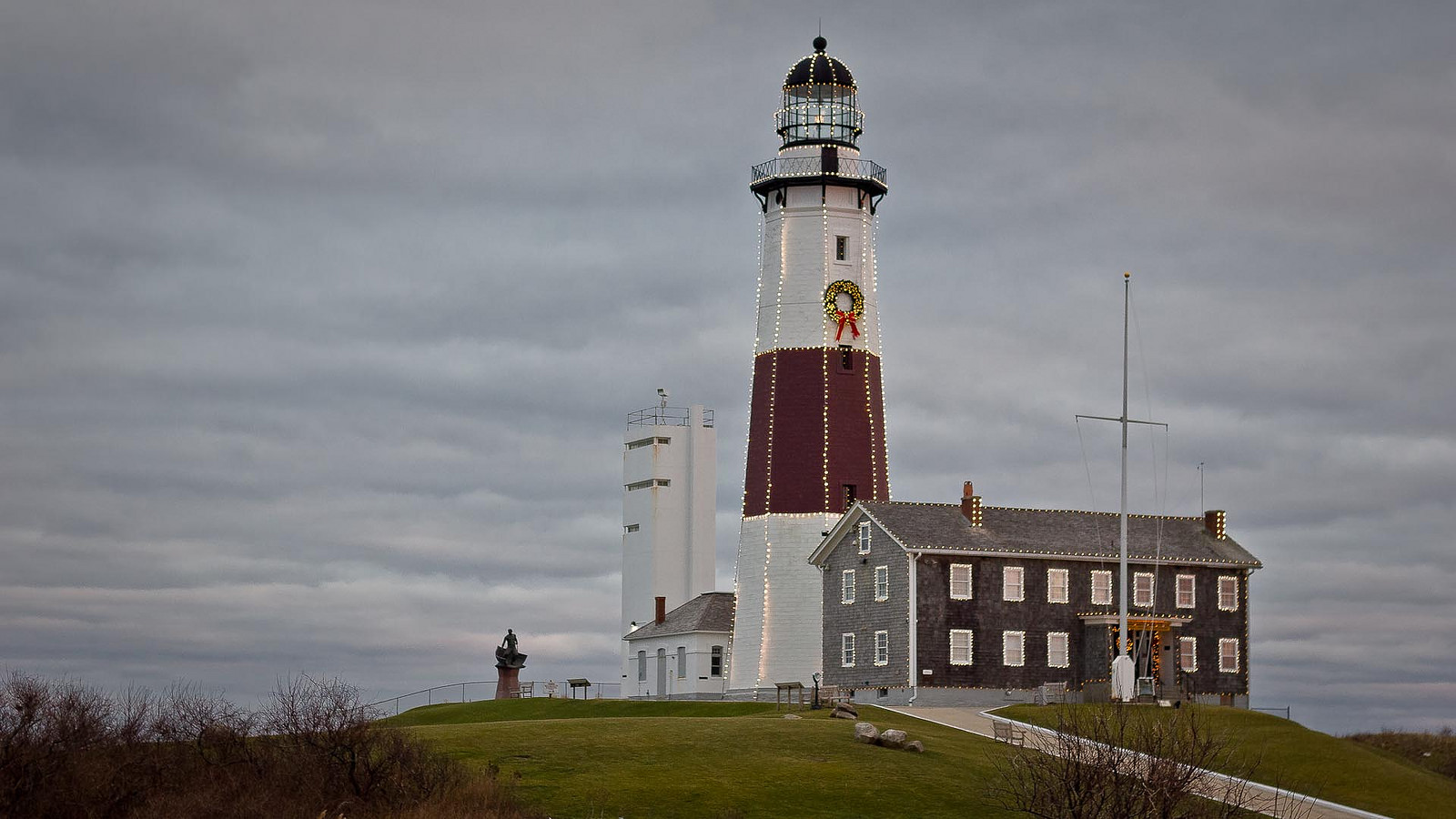 The 13 most wonderful lighthouses across the usa montauk lighthouse devin steinflickr freerunsca Gallery