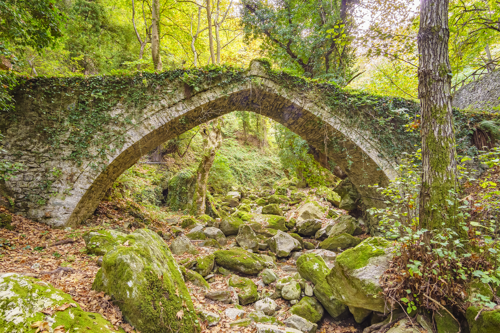 Bridge in Tsagarada and one of the most beautiful sightseeing of Pelion mountain. Magnesia - Greece © Kotsovolos Panagiotis / Shutterstock
