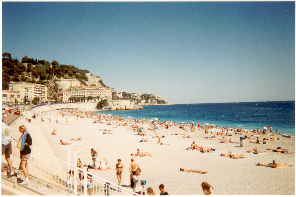 Nice's Promenade des Anglais is well-worth taking the time to walk the route   © Christiano Cani/flickr