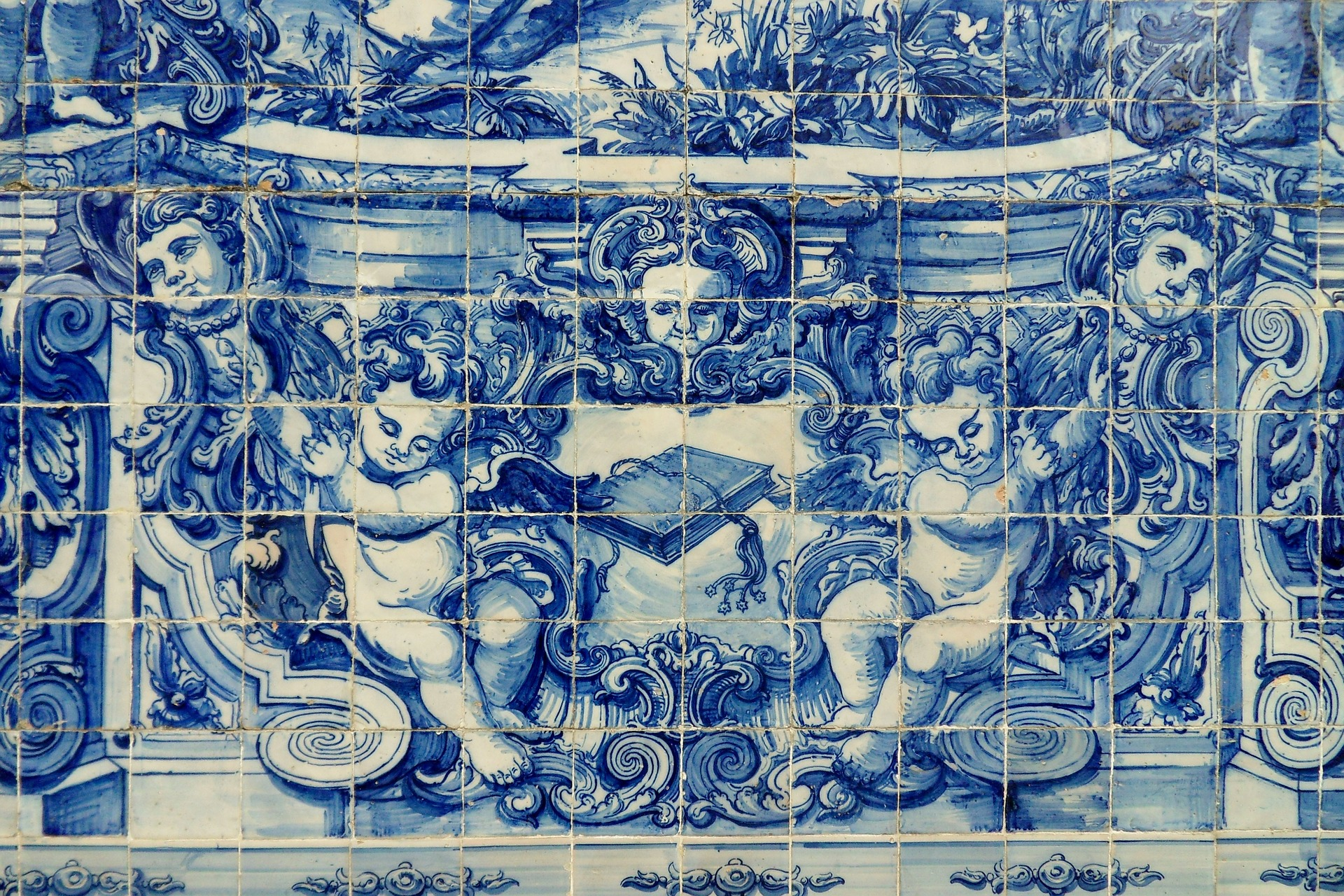 A brief history of portugals beautiful azulejo tiles dailygadgetfo Images