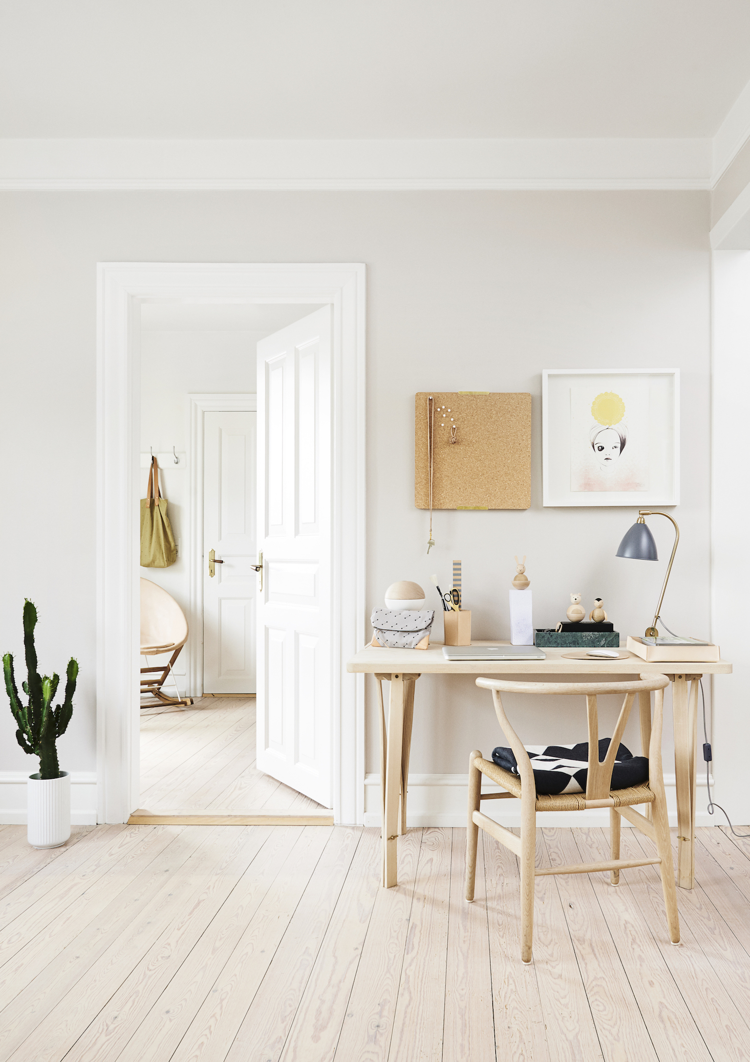 Founder of OYOY and homeowner Lotte Fynboe likes a simple, playful interior with graphic shapes | © Emil Monty Freddie / Gestalten