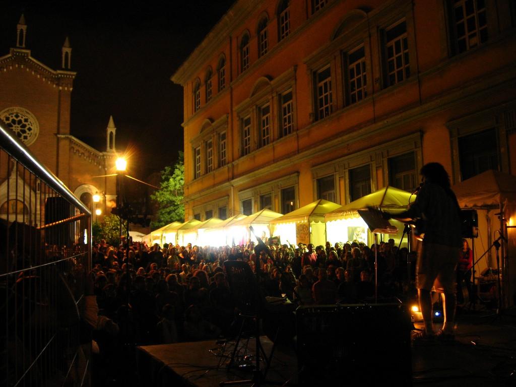 Live music in San Lorenzo | © turyddu/Flickr