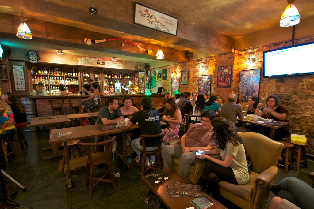 Nightlife Guide  The Top 10 Bars in Bohemian Lapa da512f0ad9311