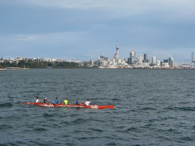 Sea Kayakers at Mission Bay | © wfelden/Flickr