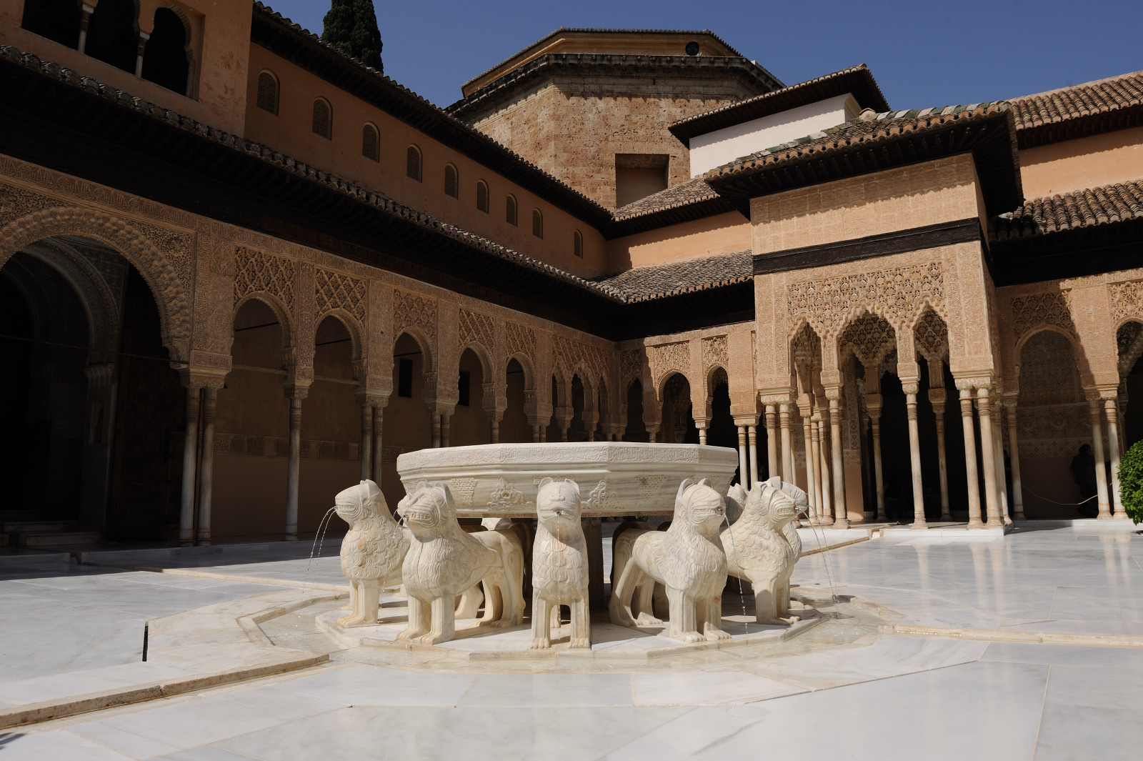 The Most Beautiful Palaces in Granada