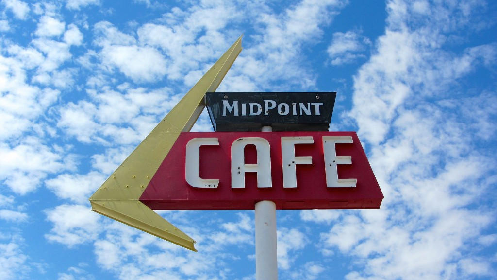 The Midpoint Cafe in Adrian, Texas © Peer Lawther