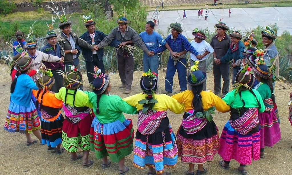 34d958ae99 A Brief Introduction to Peru s Vibrant Polleras