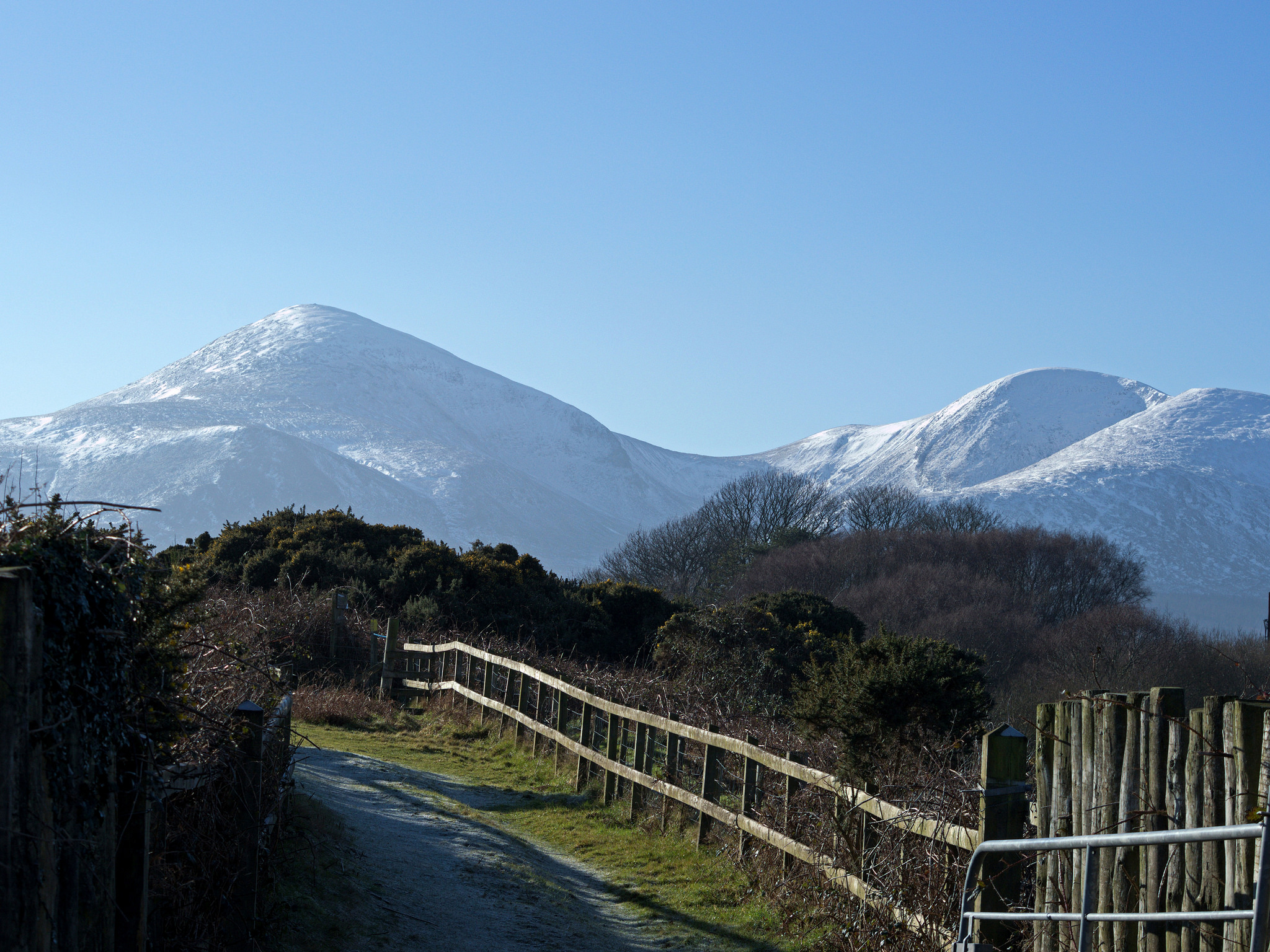 The snowy Mourne Mountains | © Philip McErlean/ Flickr