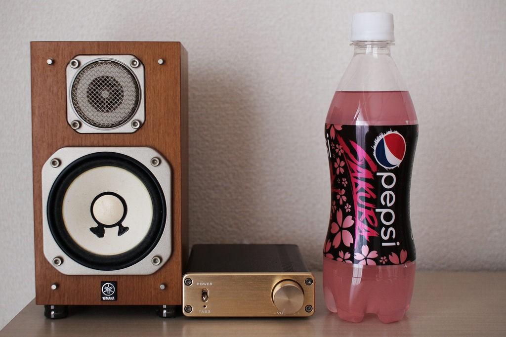 Limited sakura edition pink Pepsi | © MIKI Yoshihito/Flickr