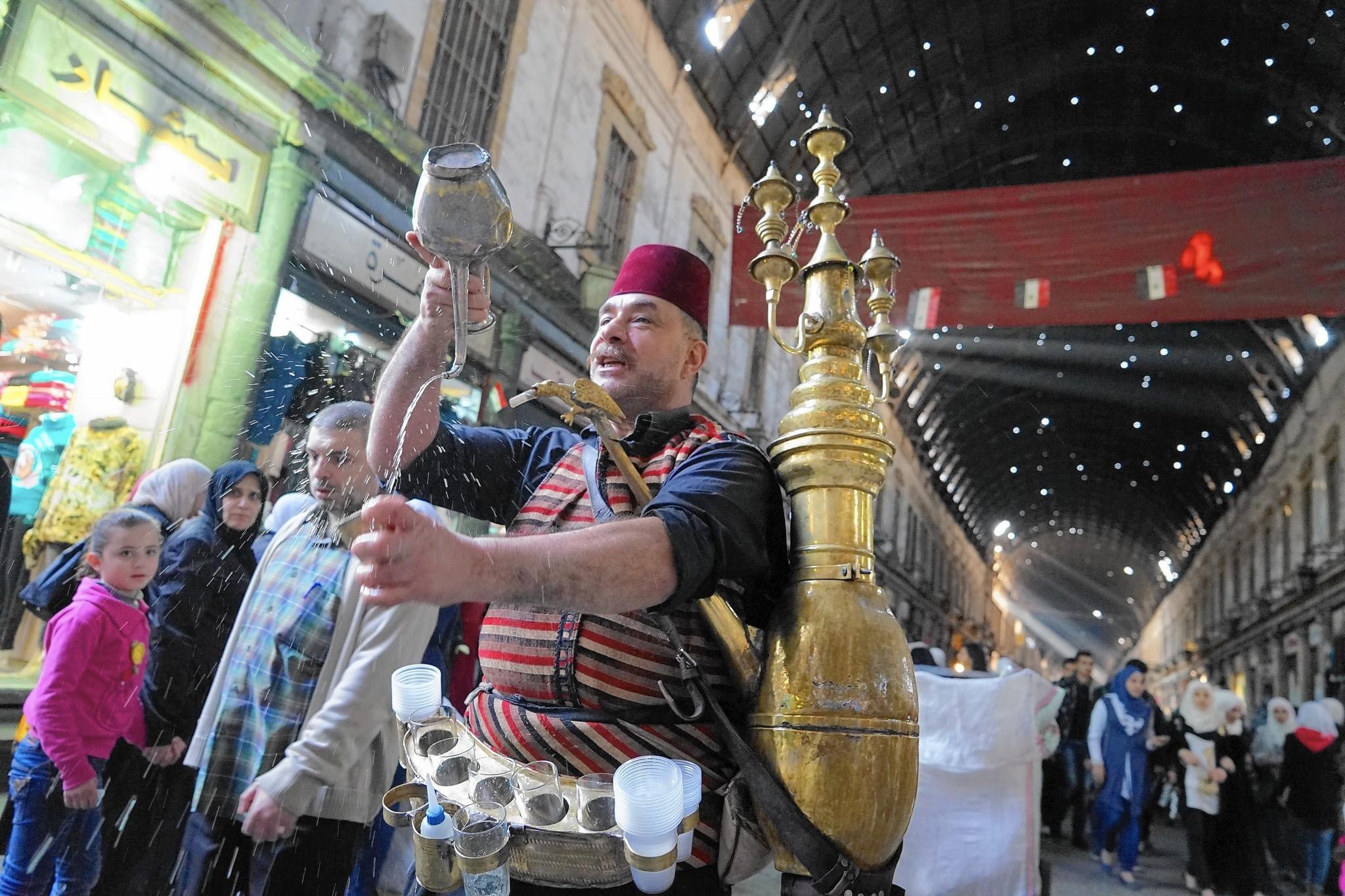 Great Jordan Eid Al-Fitr Decorations - la-fg-syria-damascus-mood-20151103  Photograph_352958 .jpg