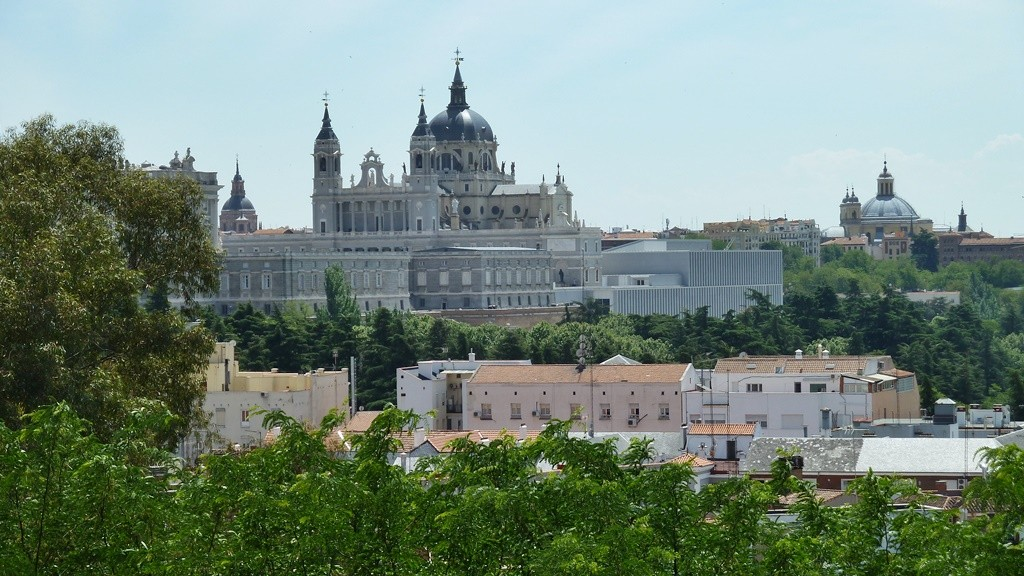 A view of the palace and cathedral | © Lori Zaino