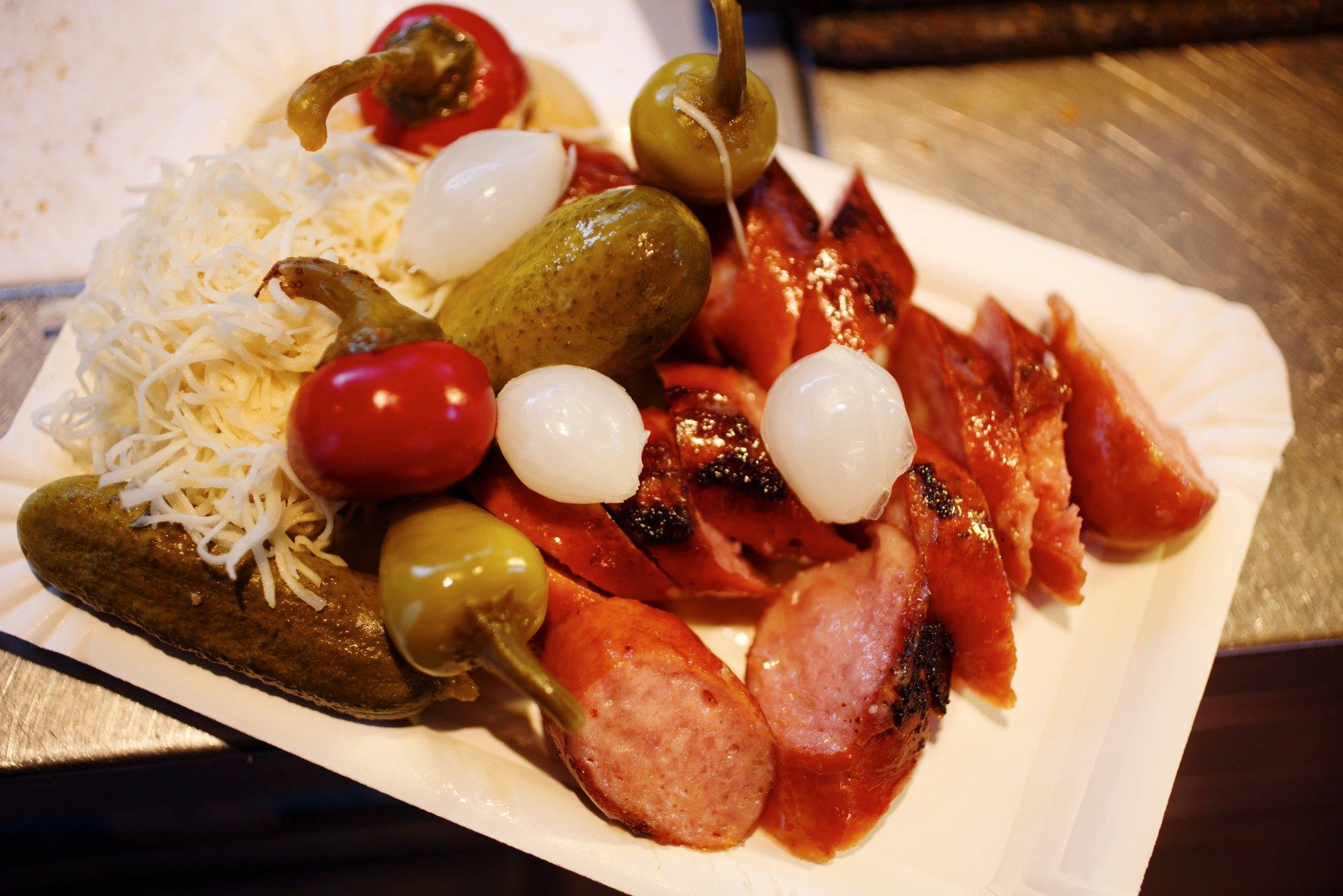 6 of Vienna's Best Sausage Stands
