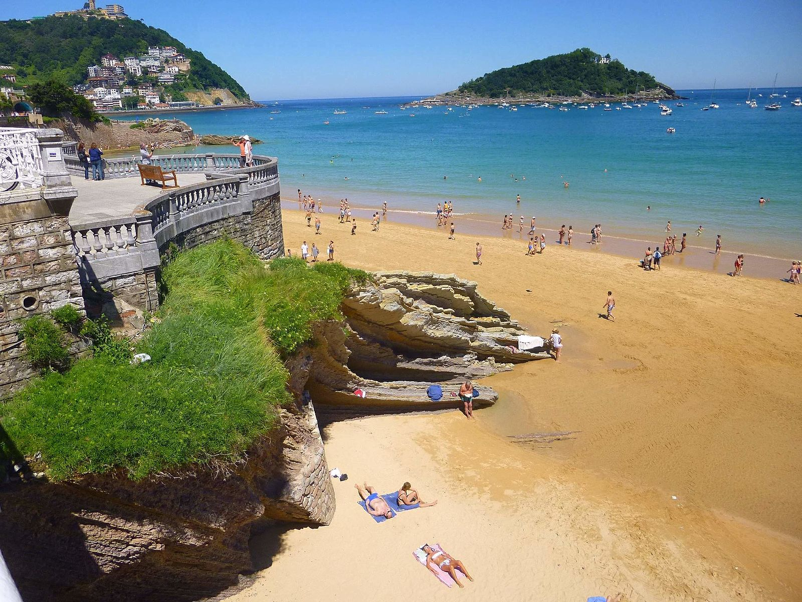 Playa De La Concha San Sebastián Spain Zarateman Wikimedia Commons