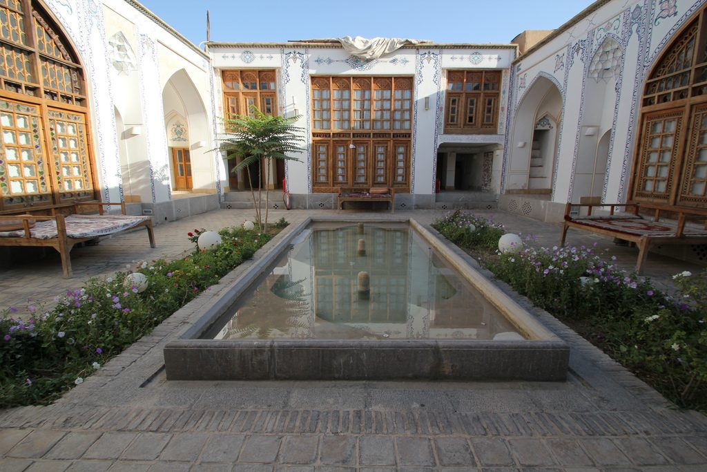 Many historical houses in Iran have been transformed into hotels | © reibai / Flickr