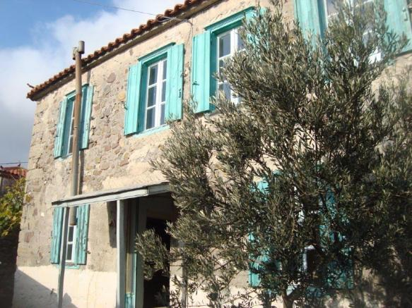10 Charming Greek Island Villas You Can Buy For A Bargain