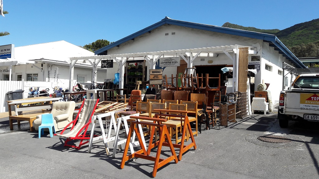 Picture of: A Guide To Cape Town Vintage Stores