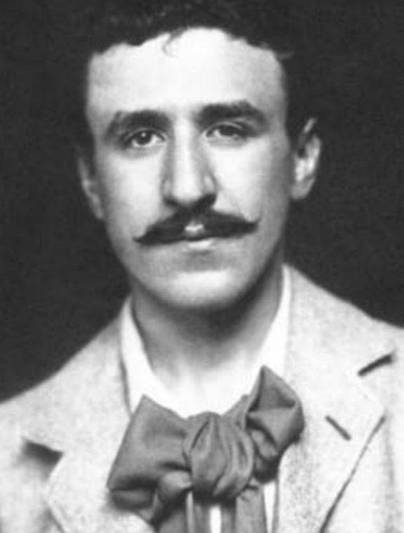 Charles Rennie Mackintosh   © WikiCommons