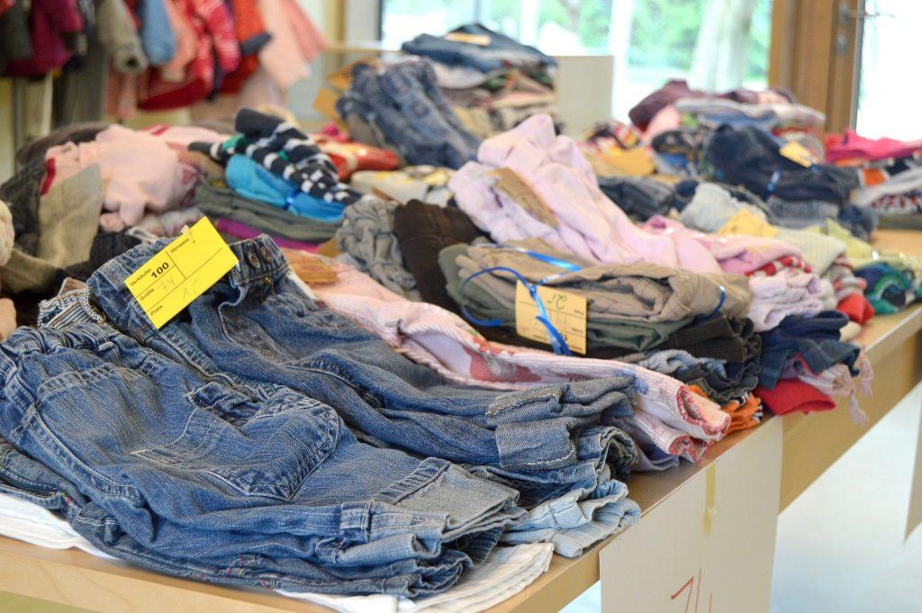 "80ac965e63edb Despite its ""posh"" reputation, Seville has some good thrift clothing stores  |© PurPura / Pixabay"