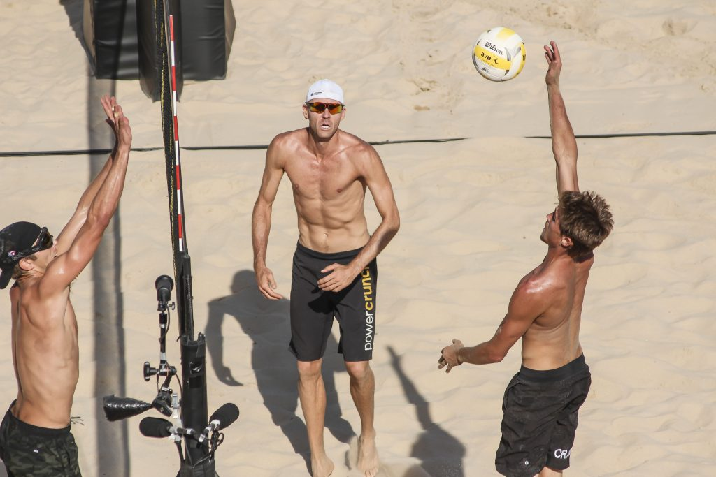 Trevor Crabb prepares to spike the ball in the men's final. | © Culture Trip/Amanda Suarez