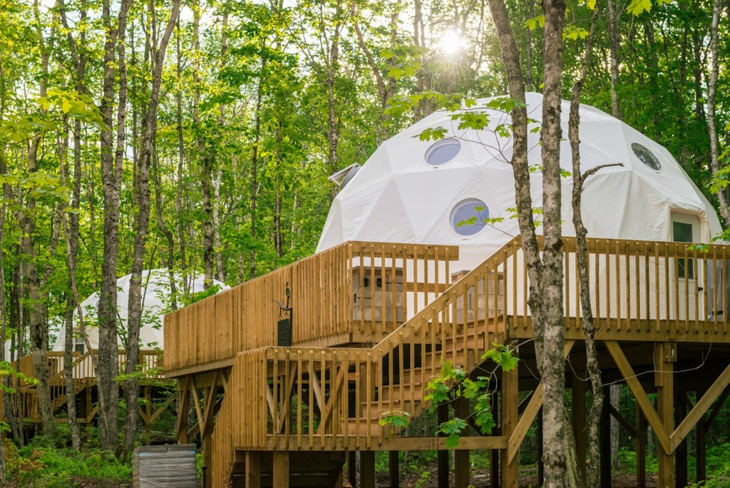 The 13 Most Amazing Treehouse Hotels in Canada