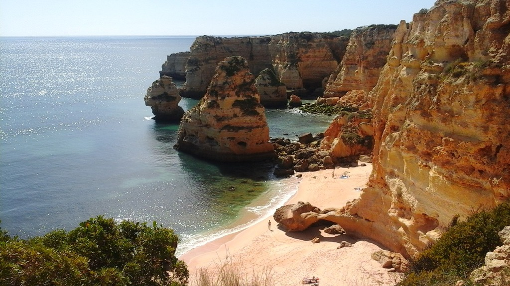 The Most Stunning Seaside Towns In The Algarve
