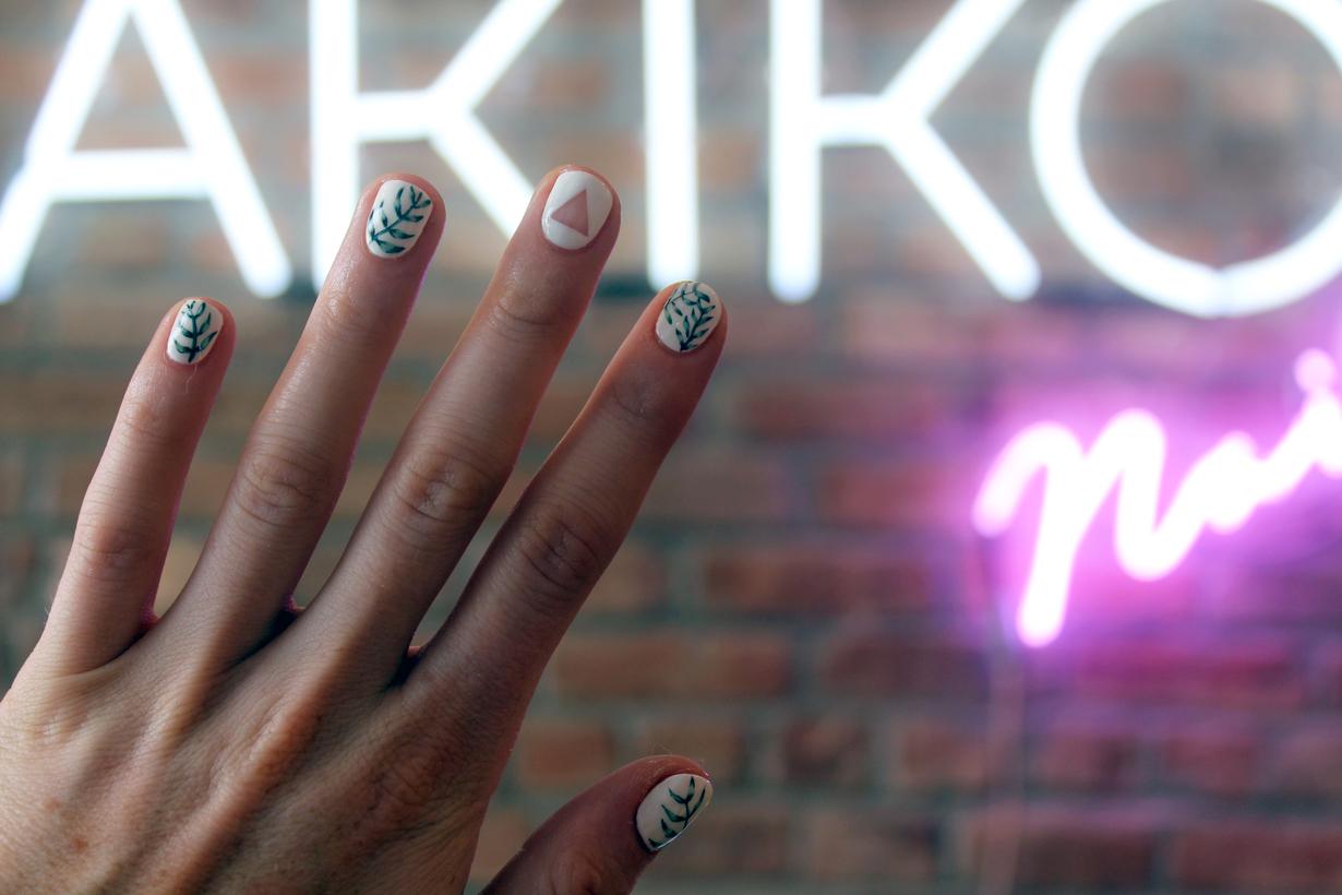 Funky Sakura Nail Spa Crest - Nail Art Ideas - morihati.com