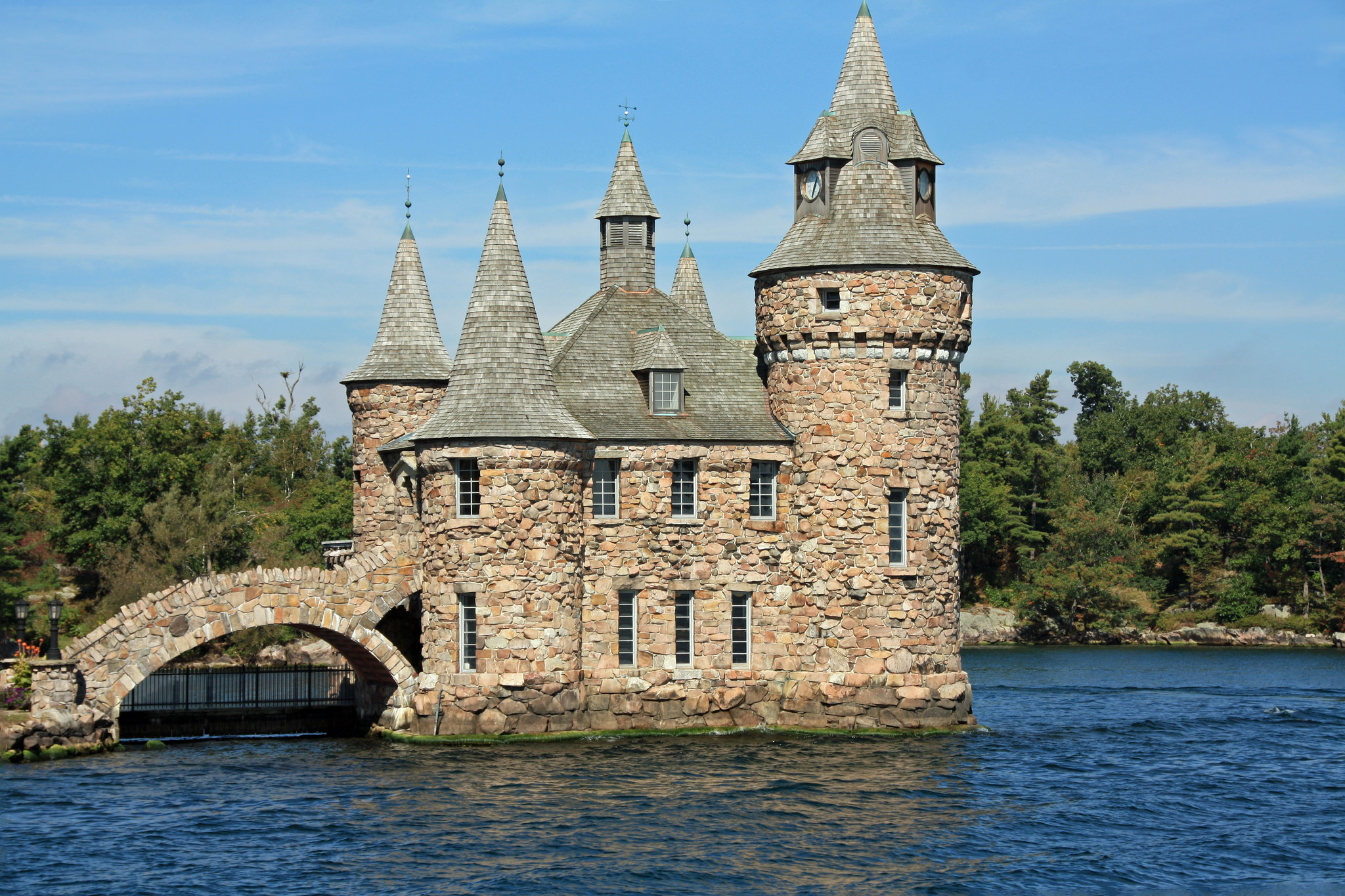 the oldest castles you can still visit in the world