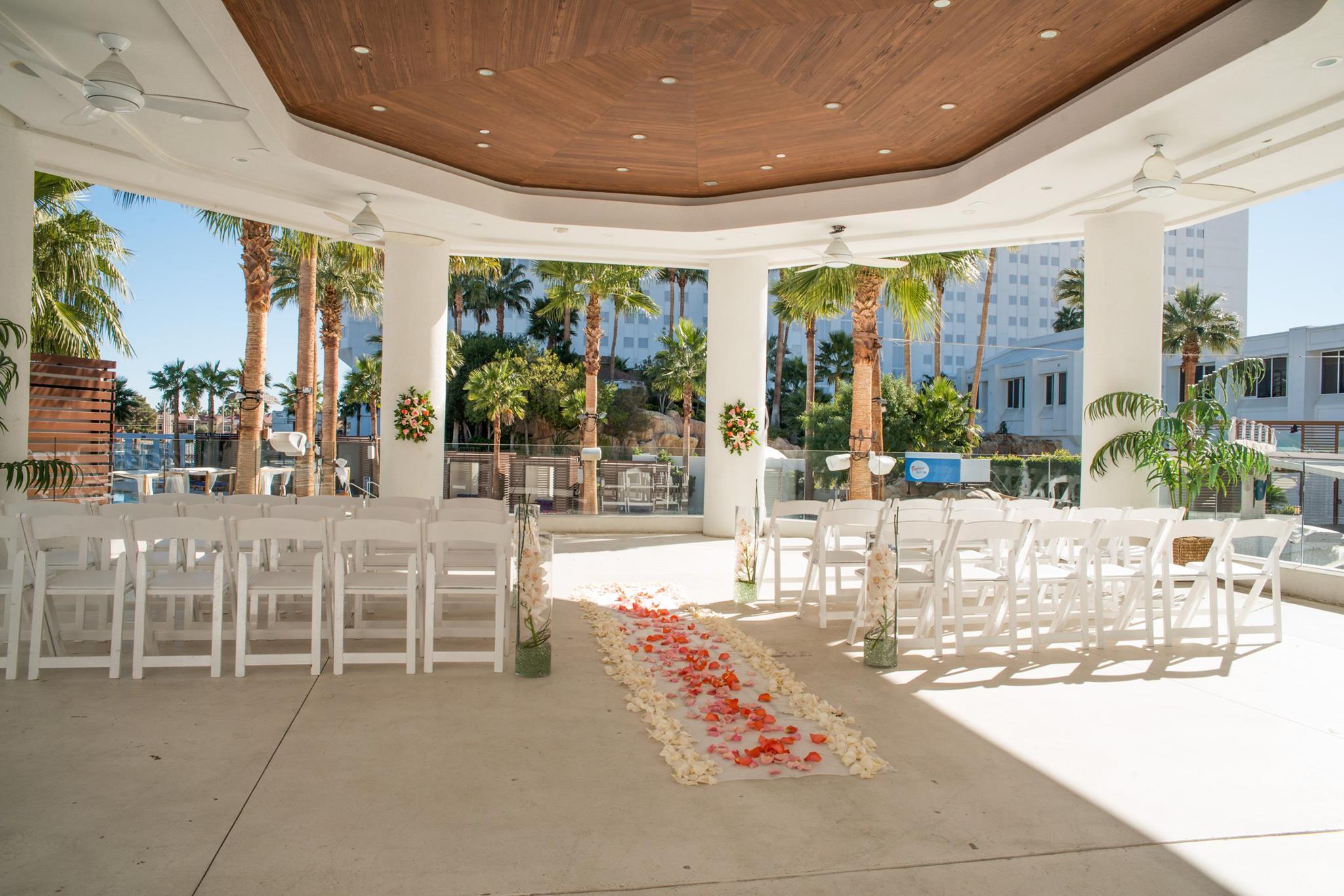The 10 Most Unusual Wedding Chapels In Las Vegas