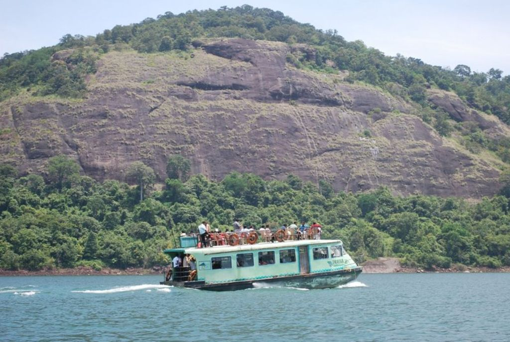 & Thenmala: Indiau0027s First Planned Eco-tourism Destination