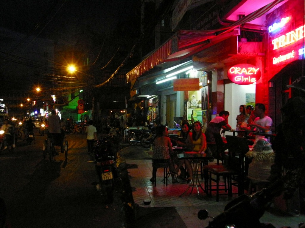 After hours on Bui Vien | © 兵庫胡志明倶楽部/WikiCommons