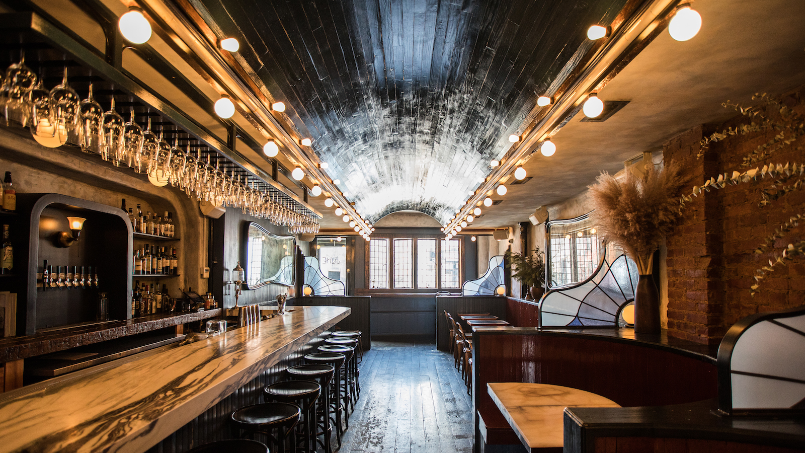 11 great first date bars in brooklyn new york city malvernweather Choice Image