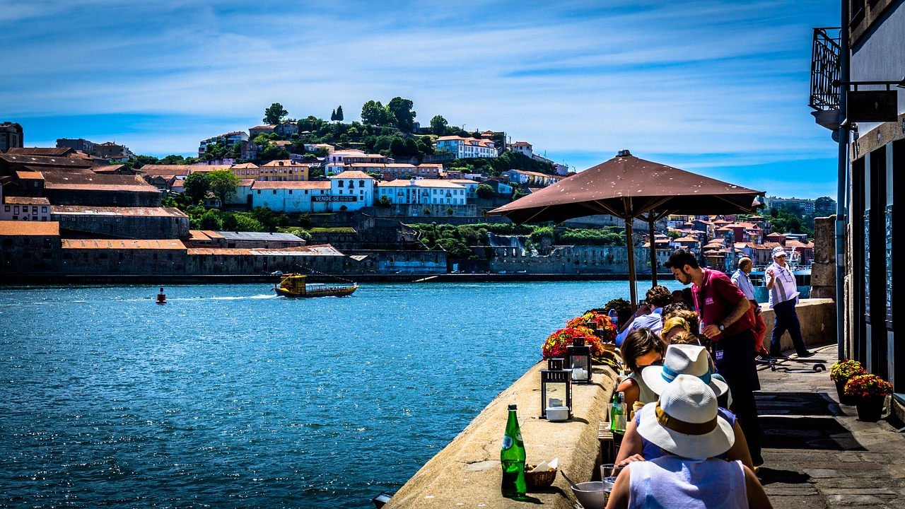 4a3eaa1f389 The Best and Cheapest Times to Visit Portugal