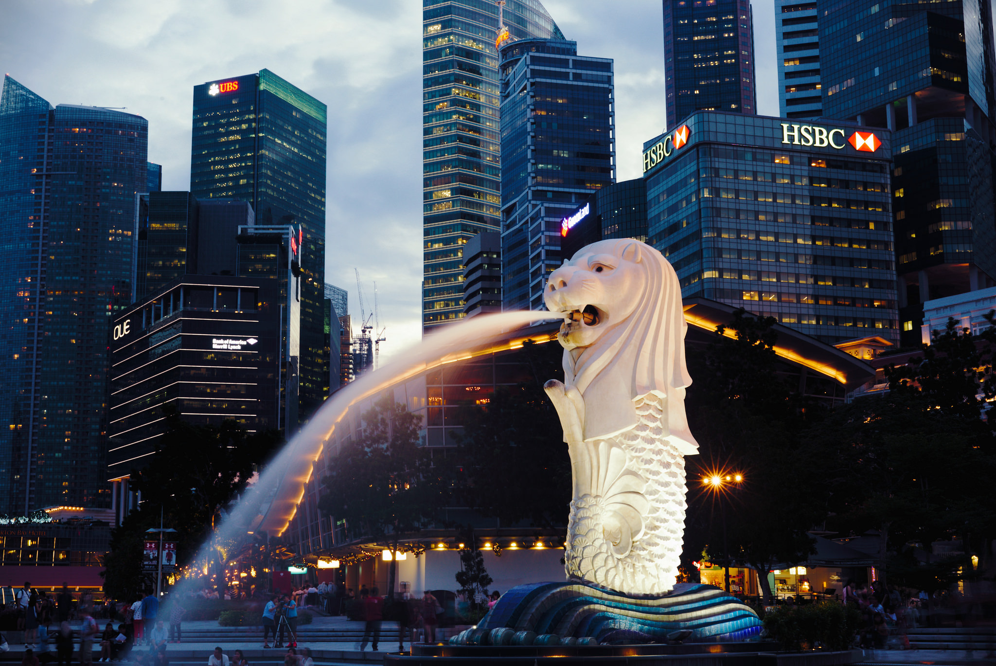 The Roaring History Of Singapores Merlion