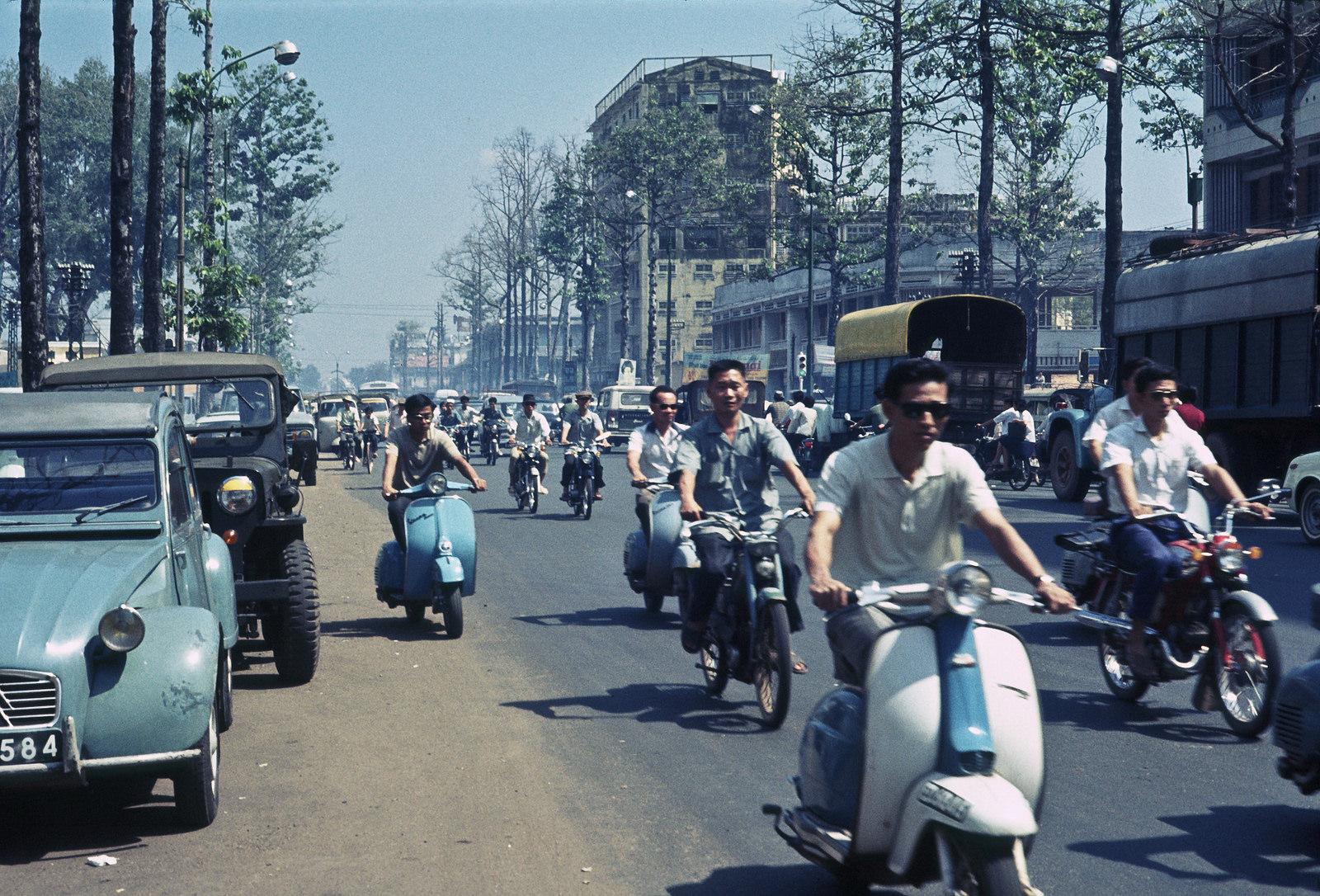 Photo Old /& New Saigon 1965 Vietnam Transportation