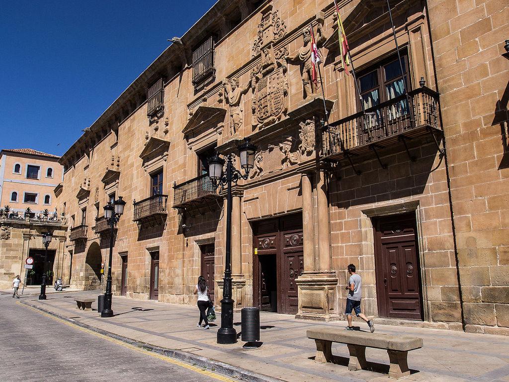 Palacio de los Condes de Gomara, Soria, Spain | ©FRANCIS RAHER / Wikimedia Commons