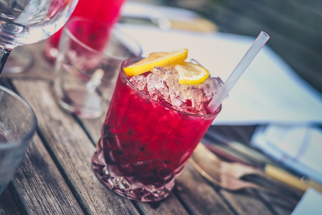 alcohol-1853327_1280