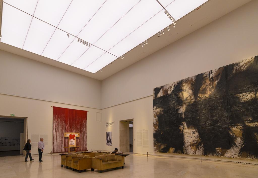 Leopold Museum im Museumsquartier: Gemälde von Hermann Nitsch