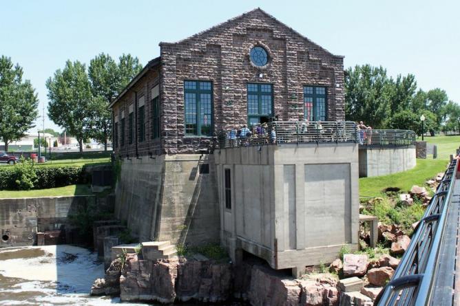 10 Must Try Restaurants In Sioux Falls South Dakota