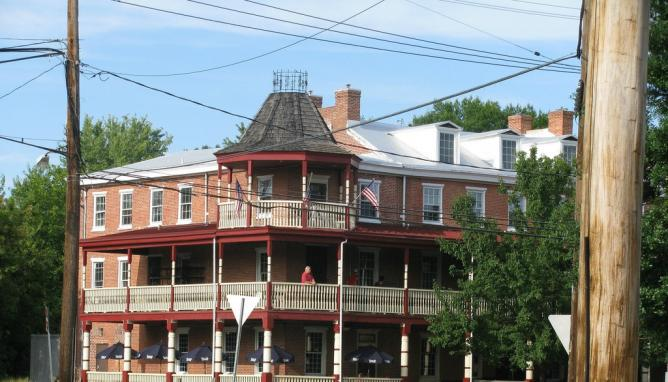 10 Great Places To Eat Out In Newark Delaware
