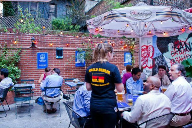 10 Best Beer Gardens In Manhattan