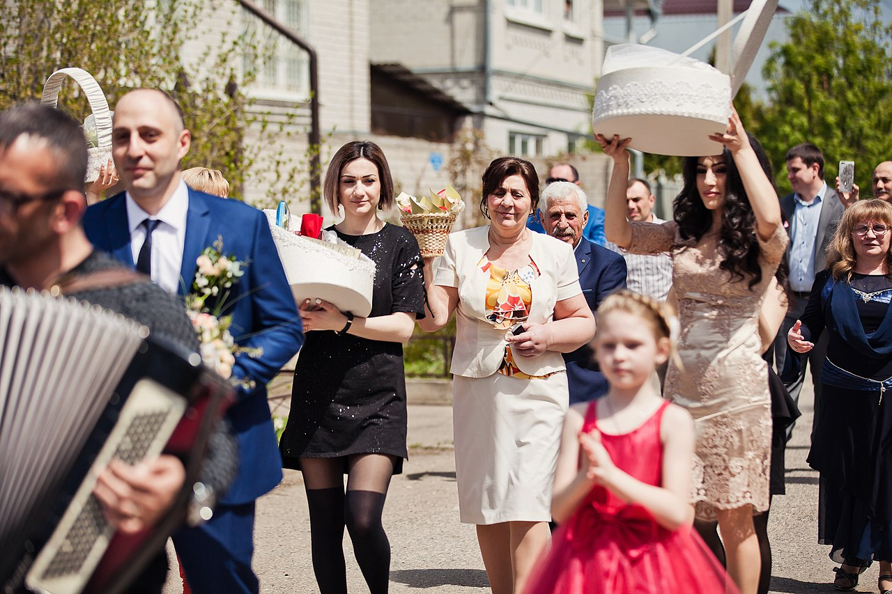 How To Survive An Armenian Wedding