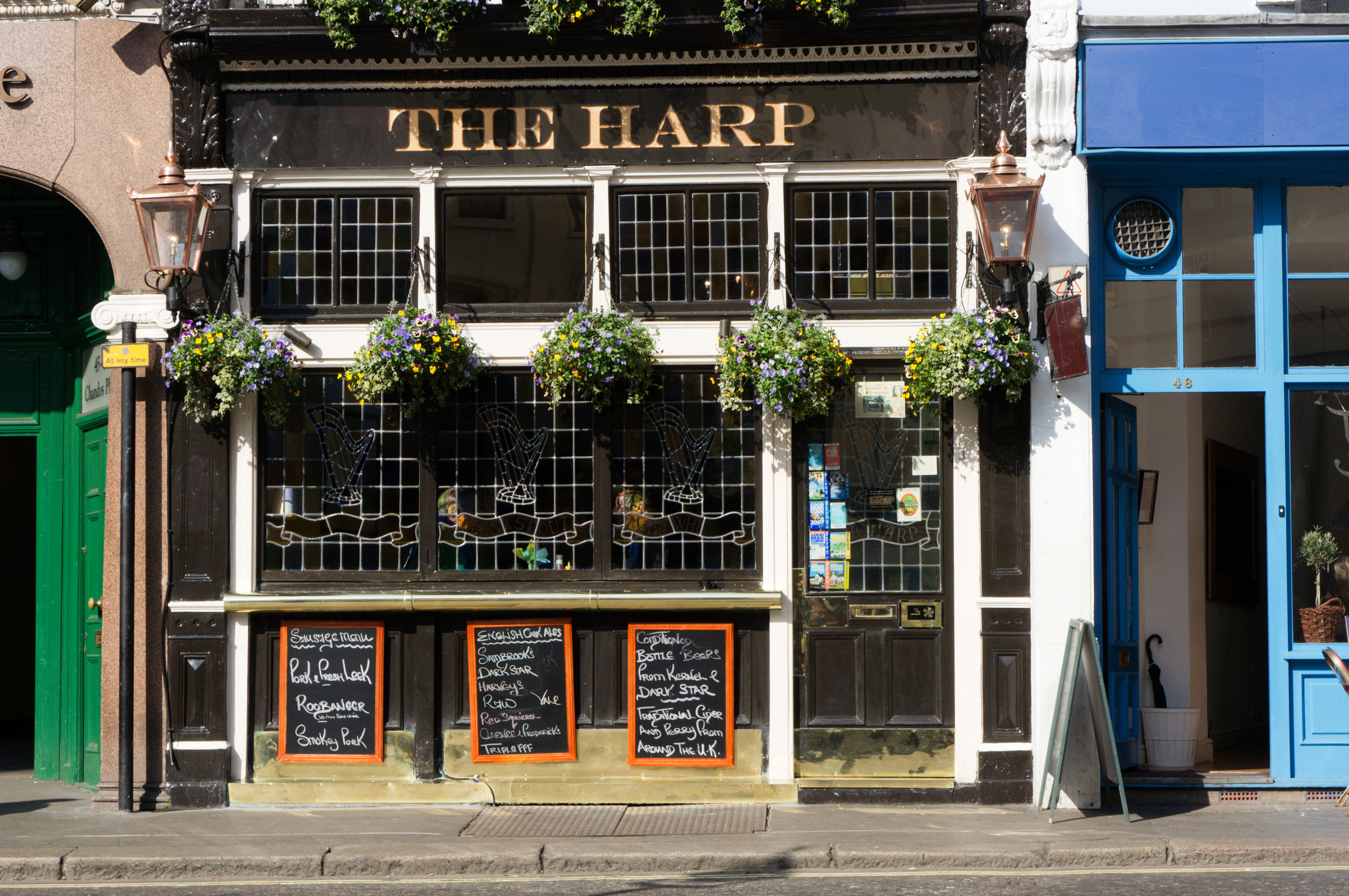 The 20 Pubs In London You Must Visit