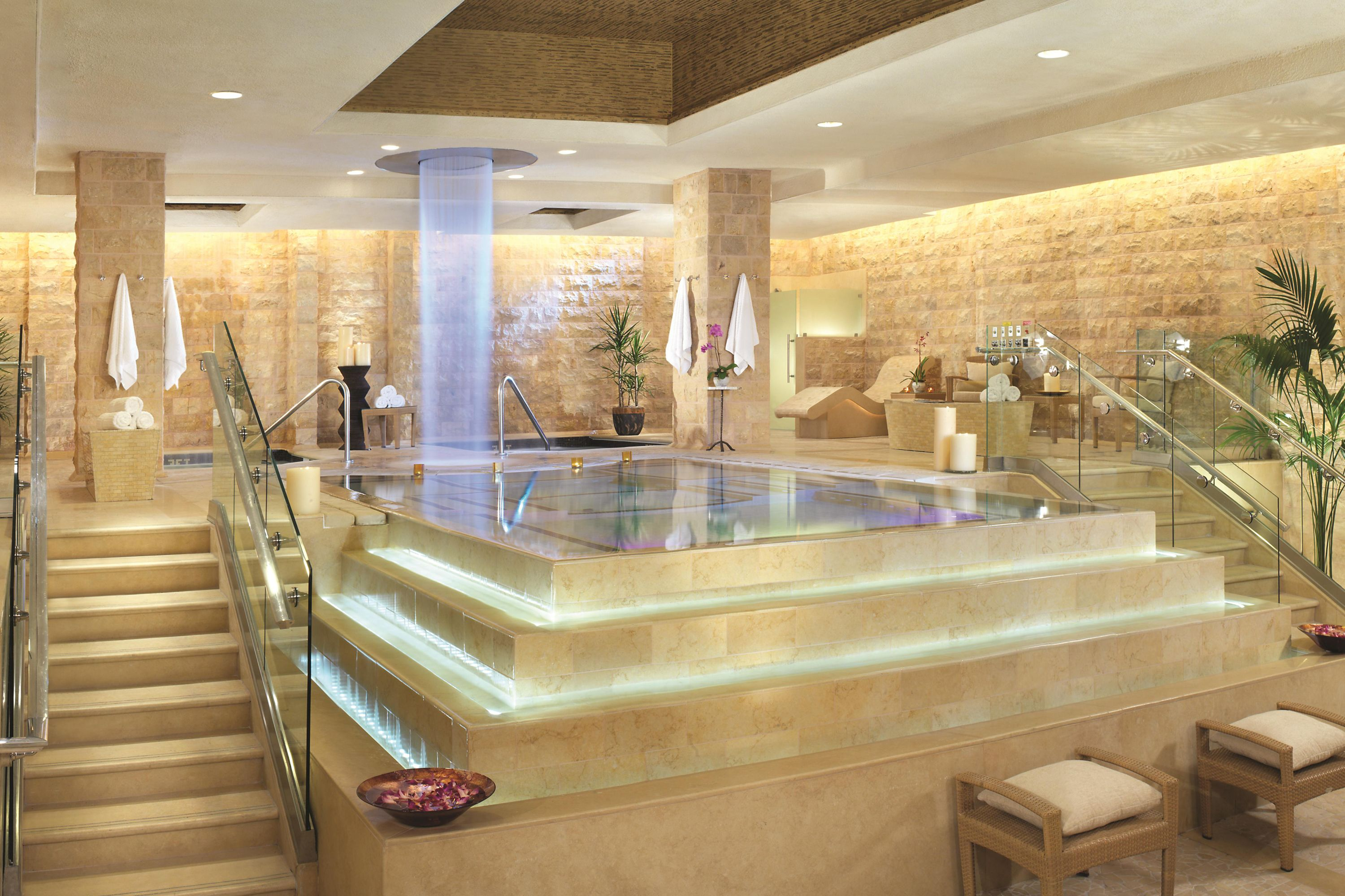 The Best Hotels With Jacuzzis In Las Vegas